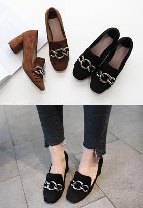 金属链条点缀高跟乐福鞋